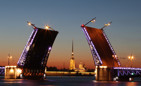 Drawing Bridges on Neva Cruise and Night Excursion